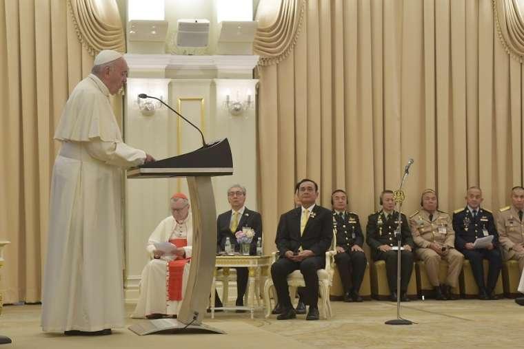 Diễn văn của Đức Phanxicô với các nhà cầm quyền, xã hội dân sự và ngoại giao đoàn