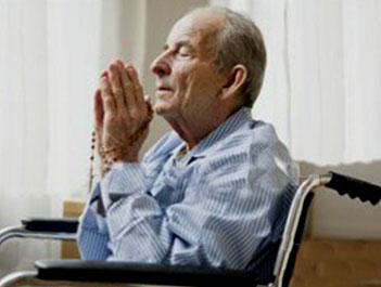 THÁNG 12/2017 : Cầu nguyện cho người già